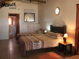 Upington Accommodation | Kalahari Monate Lodge
